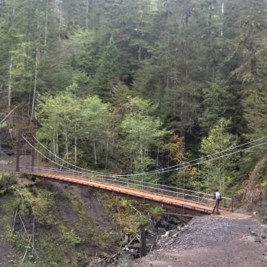 One of the first bridges we crosses. Very nice suspension bridge!
